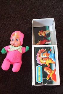 muñecas en caja de cerillas